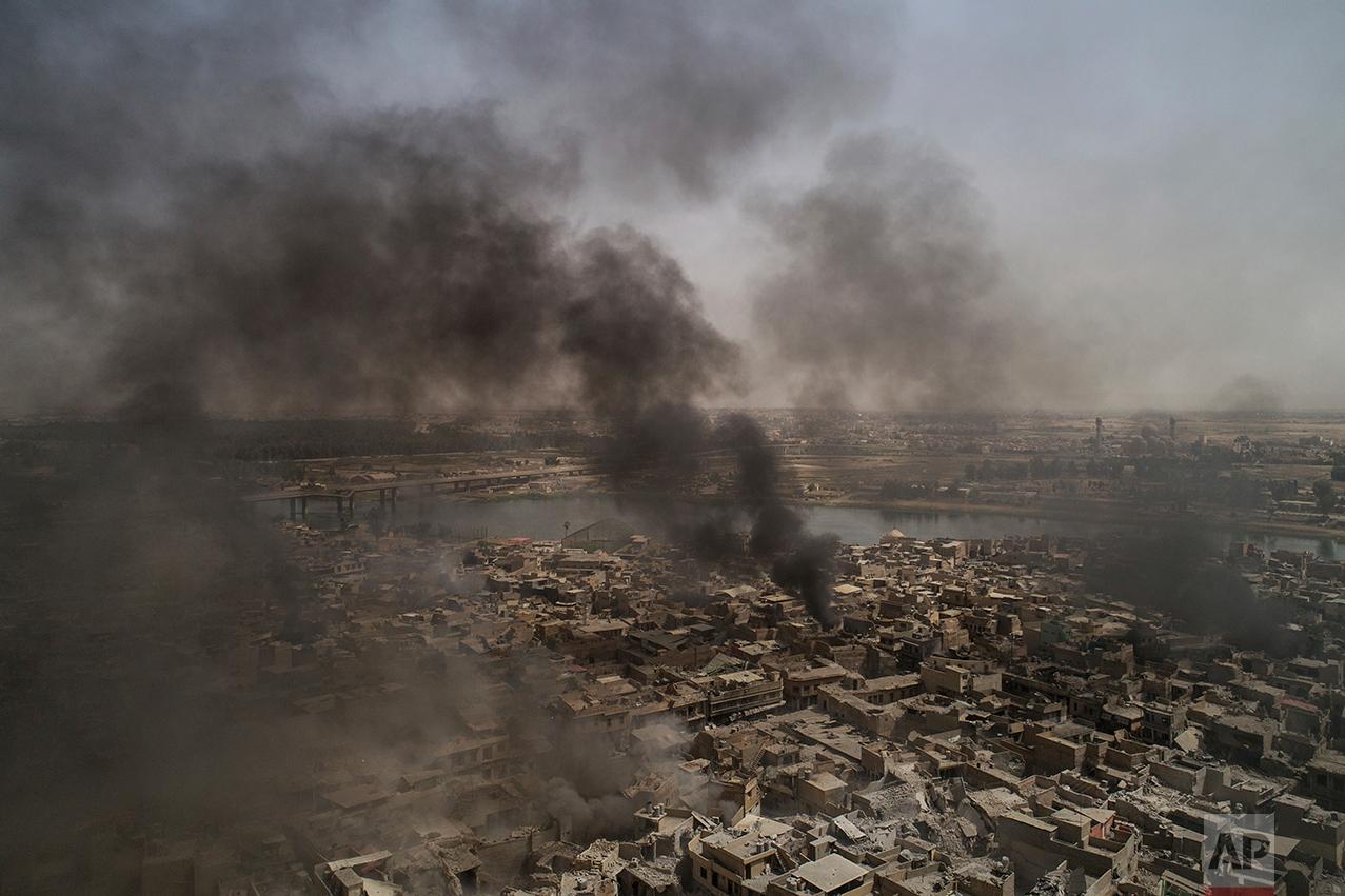 Mosul smoke AP