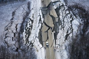 Alaska quake Marc Lester AP